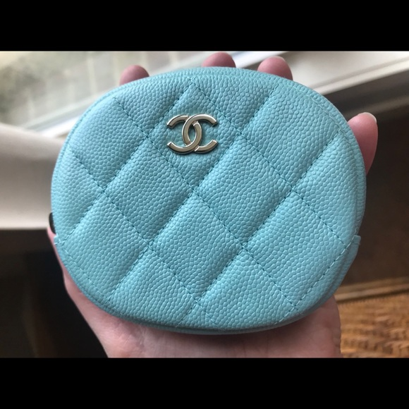 CHANEL Accessories - Chanel 19c collection coin purse